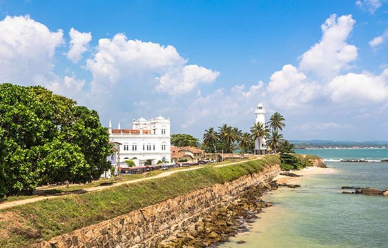 When is the best time to travel to Sri Lanka