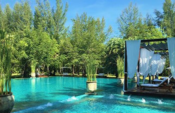 Pool in The Sarojin in Khao Lak