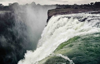 Water gushing down from Victoria Falls
