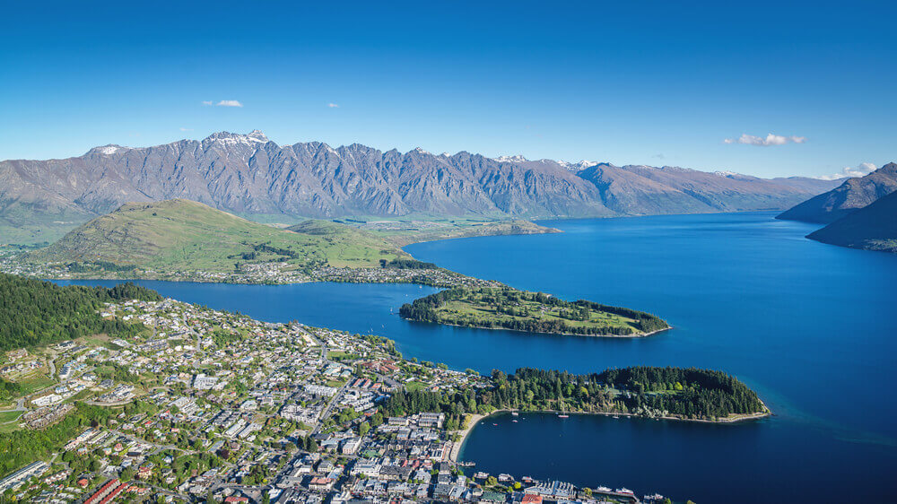 Lake Wakatipu Queenstown The Remarkables the Lord of the Rings filming location south island new zealand