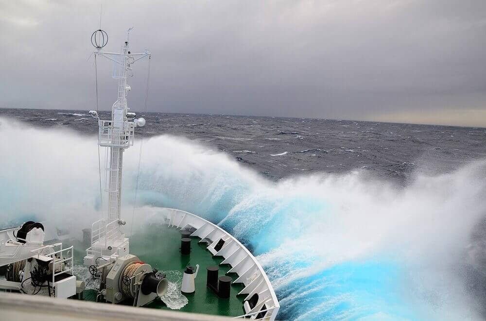 Drake Passage waves crossing to Antarctica