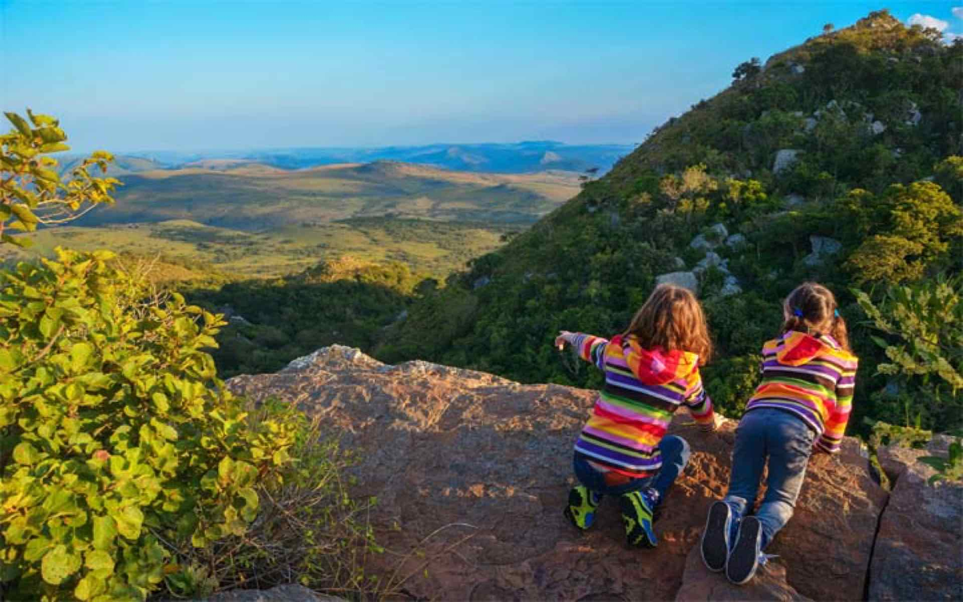 kids looking out over a mountain south africa