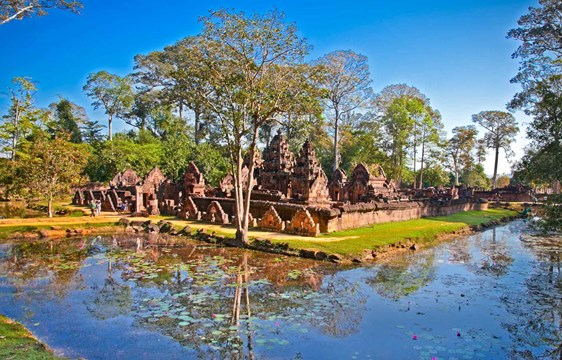When to go to Banteay Srei Temple of Woman in Angkor Cambodia