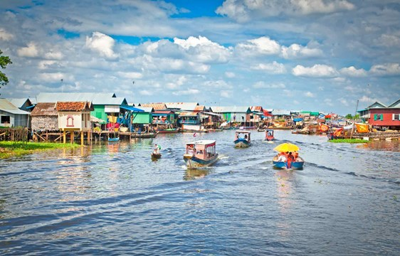 best time to visit Komprongpok floating village on Tonle Sap Lake in Cambodia is February