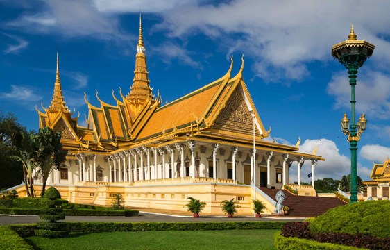 When to go to the Royal Palace in Phnom Penh Cambodia