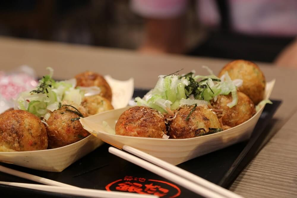 Japan Food Guide - Takoyaki octopus dumplings in Osaka