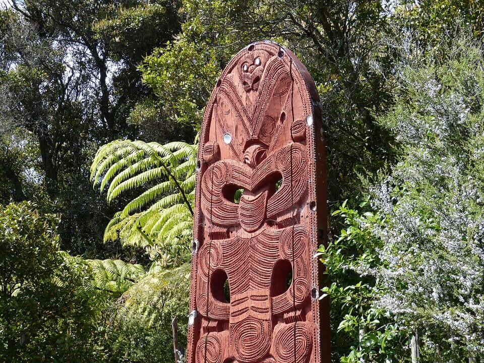 Maori carvings New Zealand