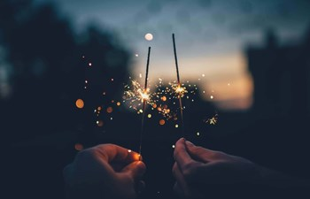 sparklers-eco-friendly-tradition