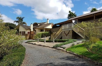huntington stables retreat rotorua cambridge central north island new zealand