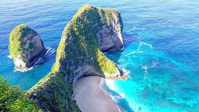 Lookout over Kelingking Beach, Nusa Penida, Indonesia